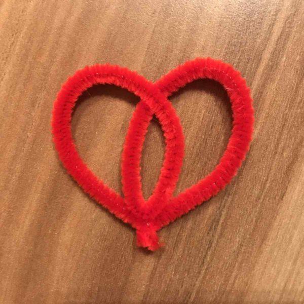 Herz aus Pfeifenreiniger