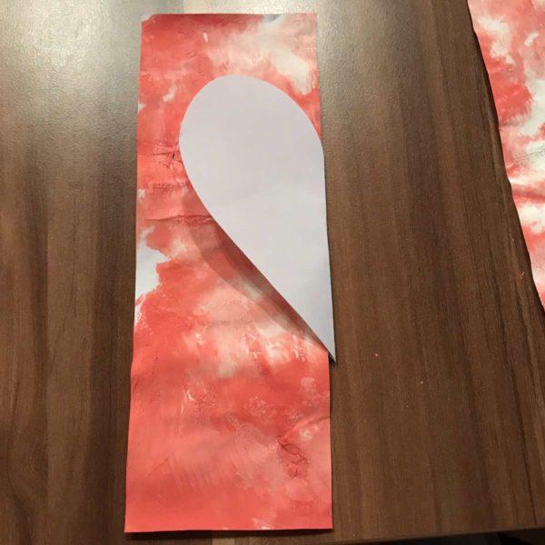 Karte für Valentinstag - Herz ausschneiden