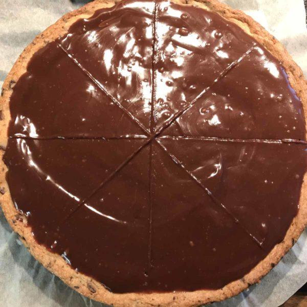 Cookiepizza mit Schokolade