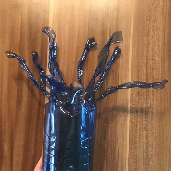 Aufbewahrung aus Plastikflaschen geschmolzen