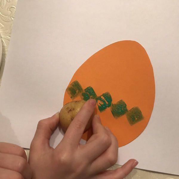 Ostereier aus Papier bestempeln
