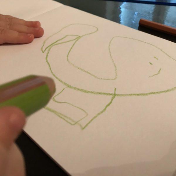 Ein Wal gemalt vom Dreijährigen