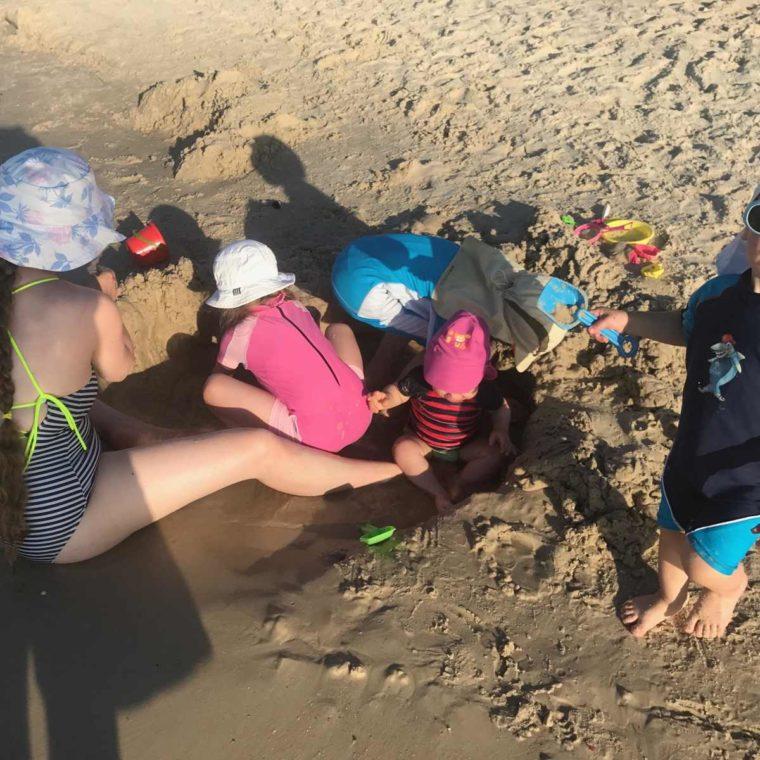 Spartipp: Urlaub für Familien mit vier Kindern günstig buchen