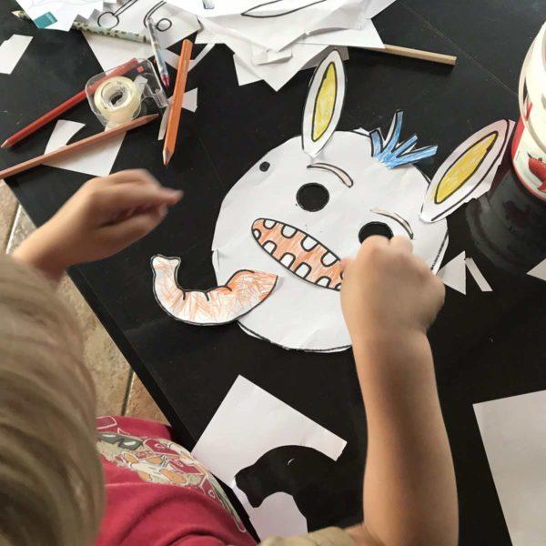 Masken zum Kindergeburtstag mit Kindern basteln