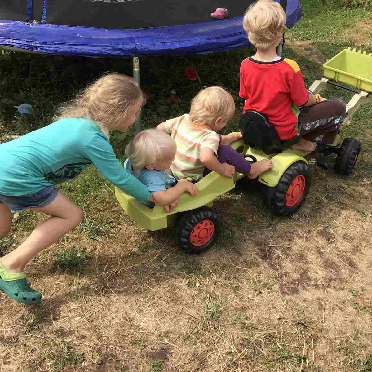 12 von 12 – 07 2018 – Gartentraum und Wackelzahndrama