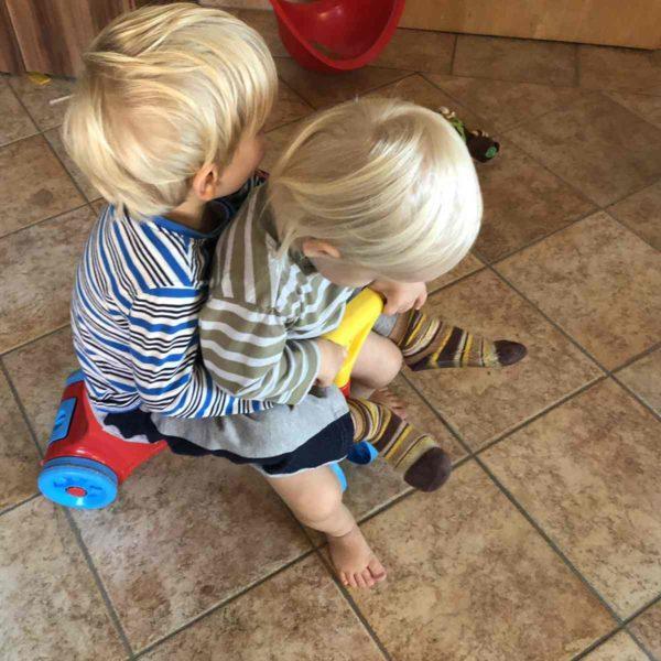 Beziehung zwischen Geschwistern fördern
