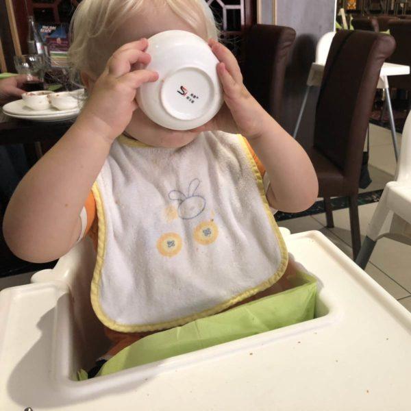 Im Restaurant mit Kindern