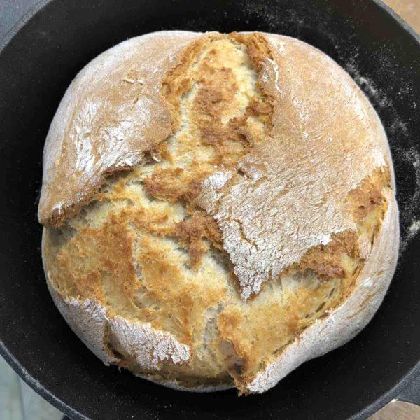 Topfbrot mit Dinkelmehl und Joghurt