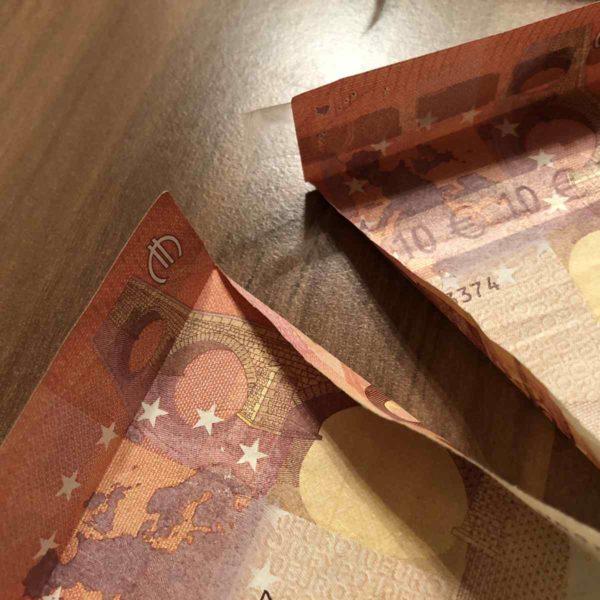 Geldgeschenk zusammenkleben
