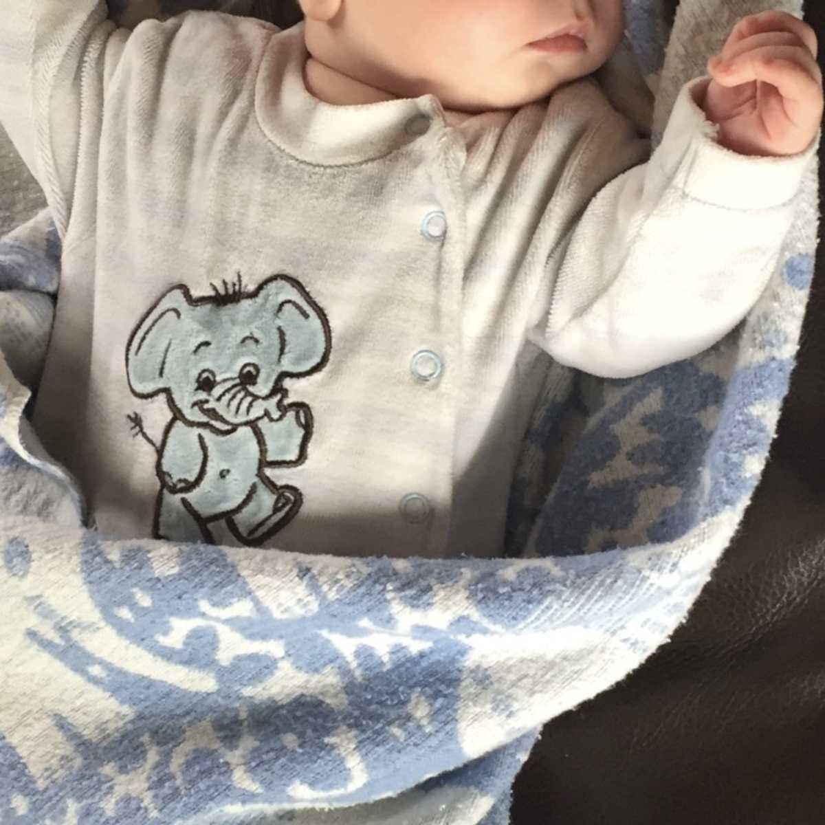 Anzeige – Tipps für Babys Erstausstattung – Kleidung