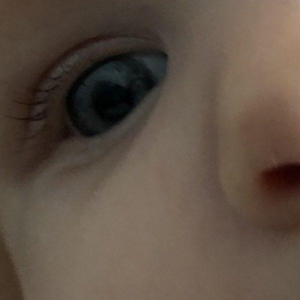 Entwicklung Baby mit drei Monaten Augenfarbe