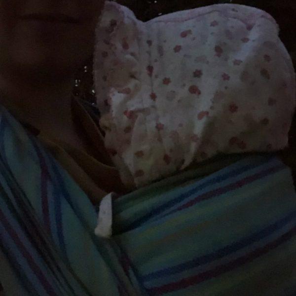 Entwicklung Baby mit drei Monaten Schreiphasen